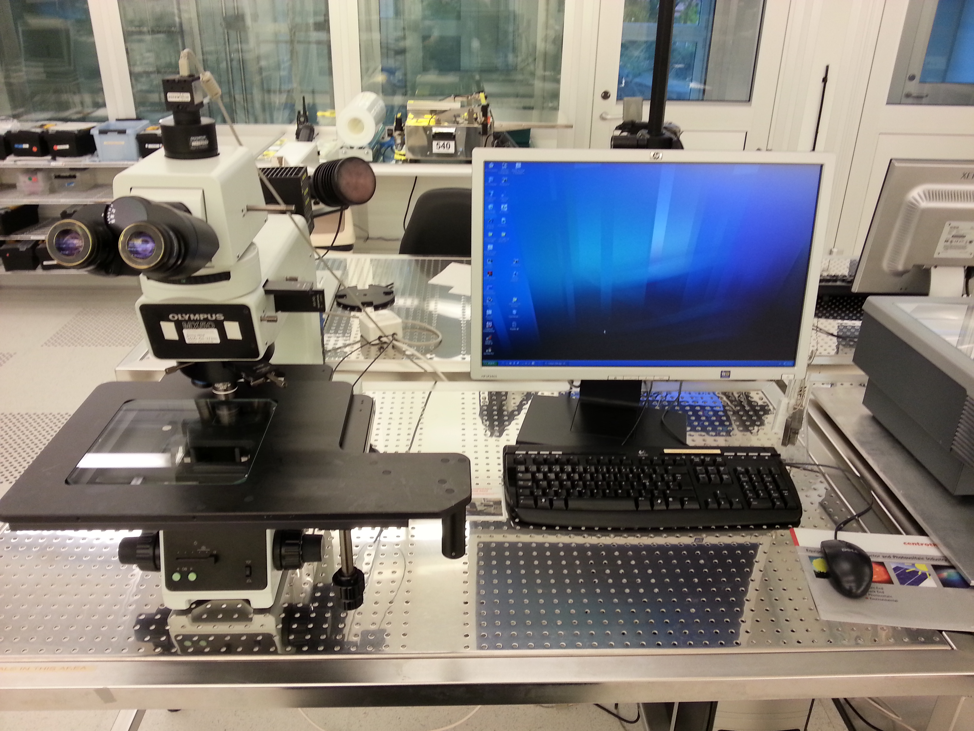 Picture of Microscope - Olympus MX50 - Metrology area